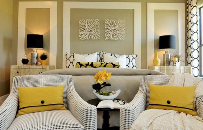 Schlafzimmer Gestalten Gemutlich : sehr schönes schlafzimmer gemütlich gestalten  zwei sessel
