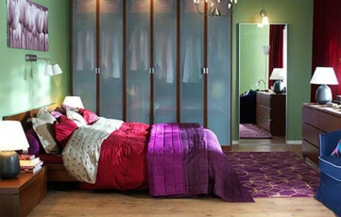 gemütliches-schlafzimmer-gestalten-zyklamenfarbe