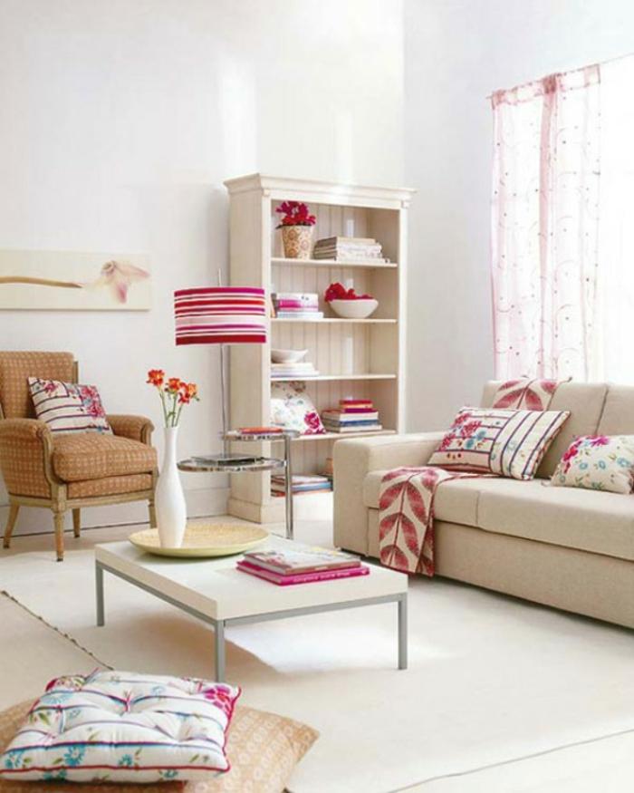 gemütliches-wohnzimmer-interessante-weiße-gestaltung