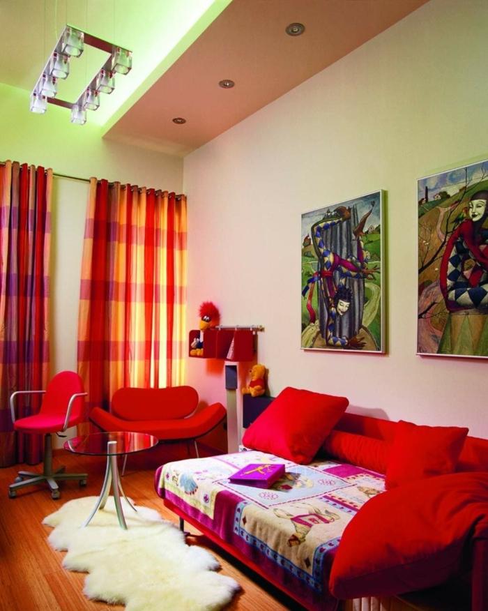 Gemtliches Wohnzimmer Rotes Sofa