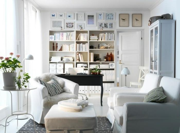 gemütliches-wohnzimmer-weiße-regale