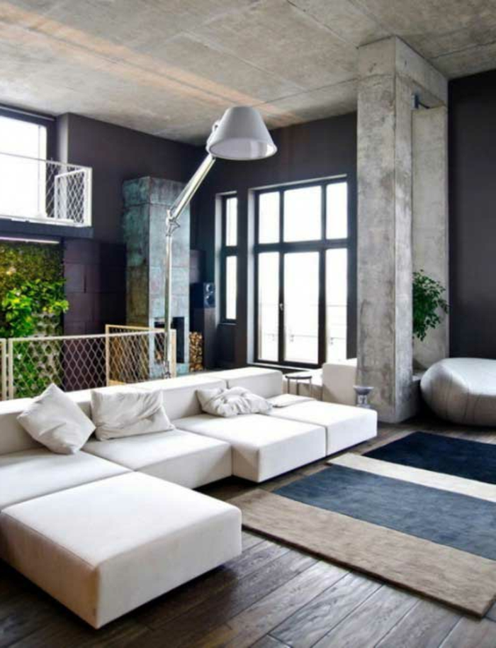 gemütliches-wohnzimmer-weißes-sofa
