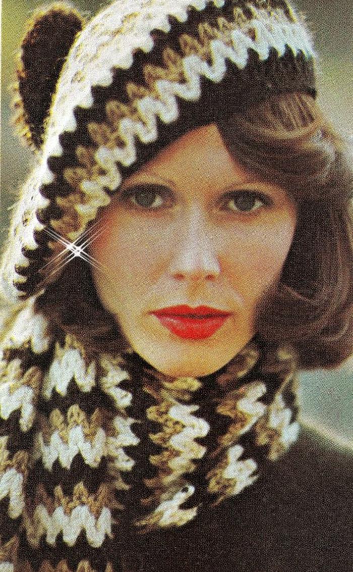 gestrickte-französische-Mütze-Schal-Wintermode-retro-schick-klassisch