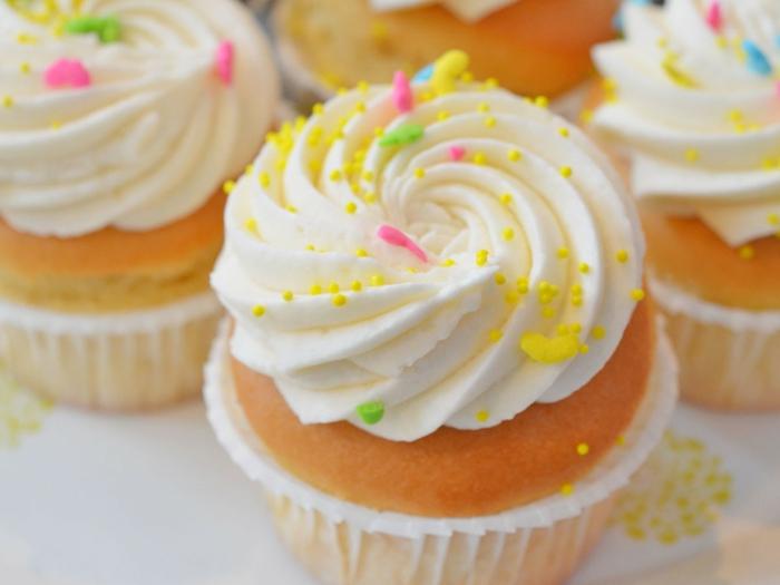 gluten-freie-Cupcakes-Vanille-Frosting