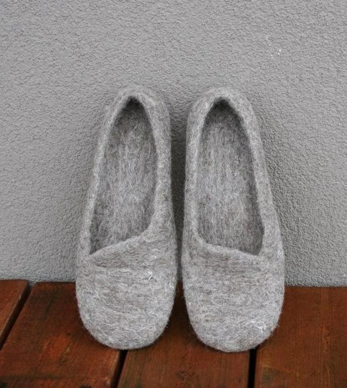 graues-Modell-Damen-Hausshuhe-Wolle