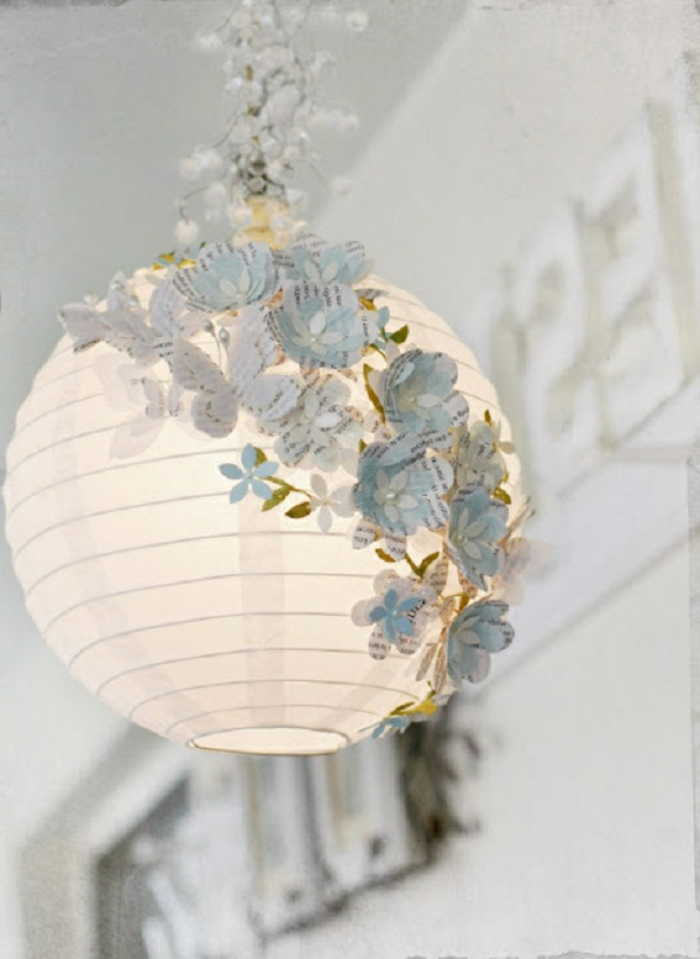 hängende-kugelförmige-lampe-aus-papier