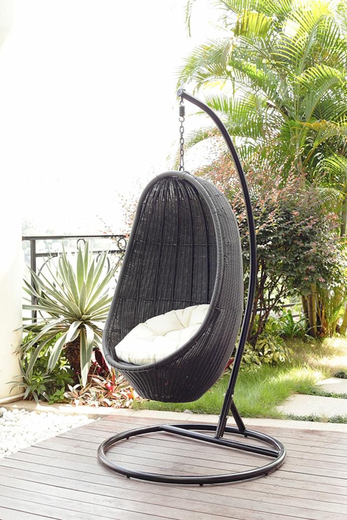 hängesessel-mit-gestell-eier-schwarz-rattan-möbel
