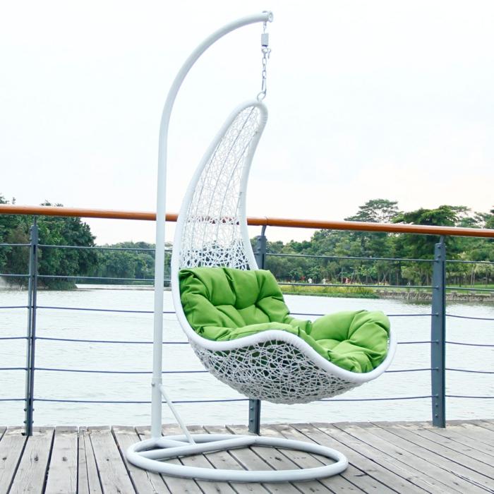 hängesessel-mit-gestell-für-terrasse-aus-aluminium-und-rattan