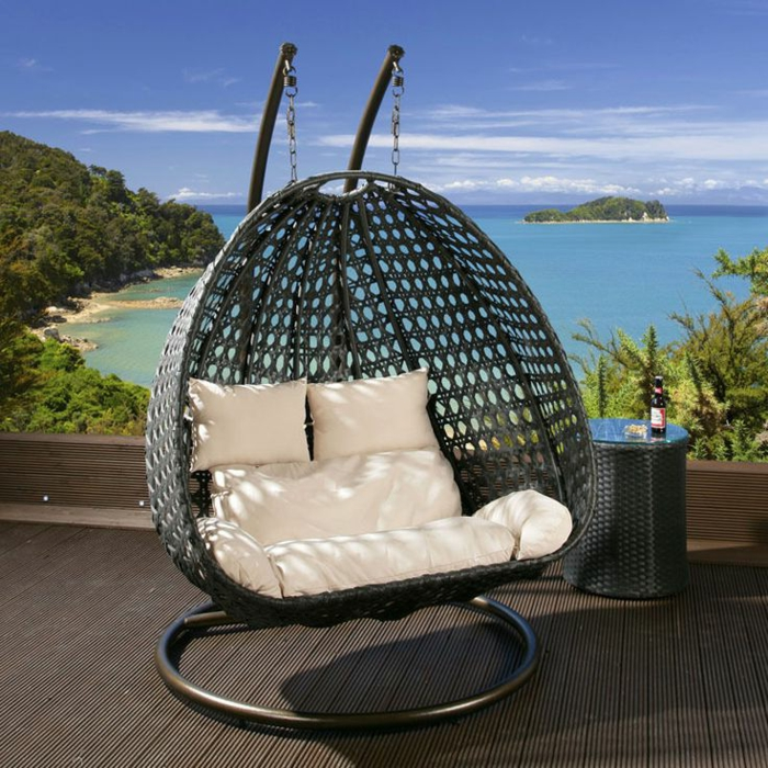 h ngesessel mit gestell einige exklusive modelle. Black Bedroom Furniture Sets. Home Design Ideas
