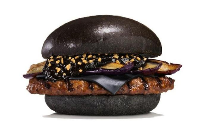 halloween-essen-hamburger-dunkle-farbe