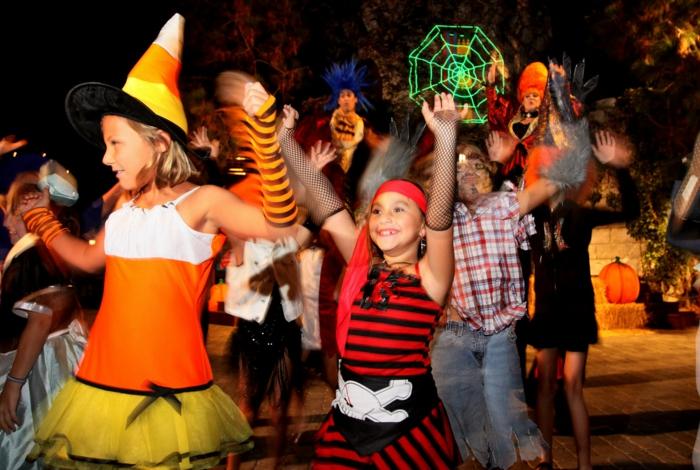 halloween-für-kinder-tolle-party-machen