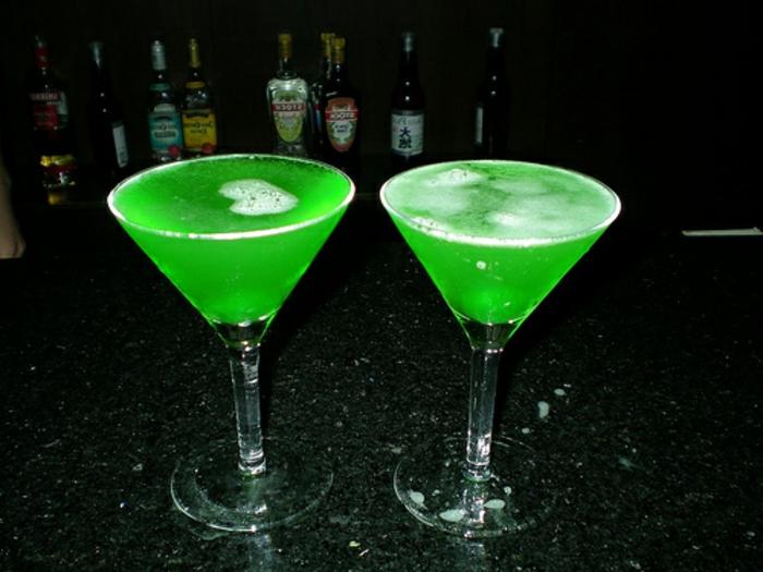 halloween-getränke-grüne-flüssigkeit