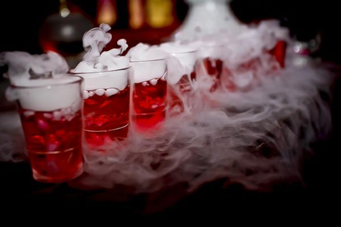 halloween-getränke-rote-farbe