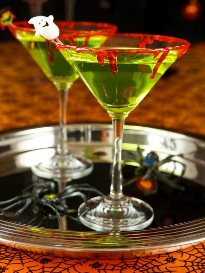 halloween-getränke-zwei-herrliche-gläser