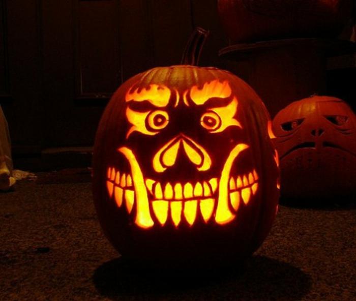 halloween-kürbisse-lächelndes-gesicht