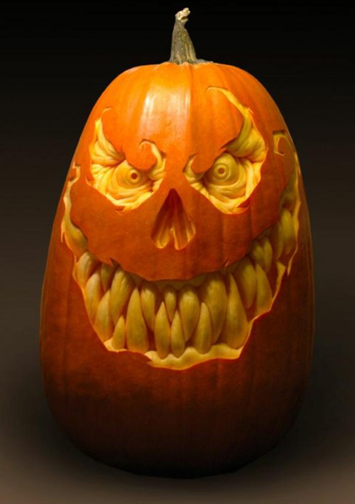 halloween-kürbisse-schreckliche-zähne