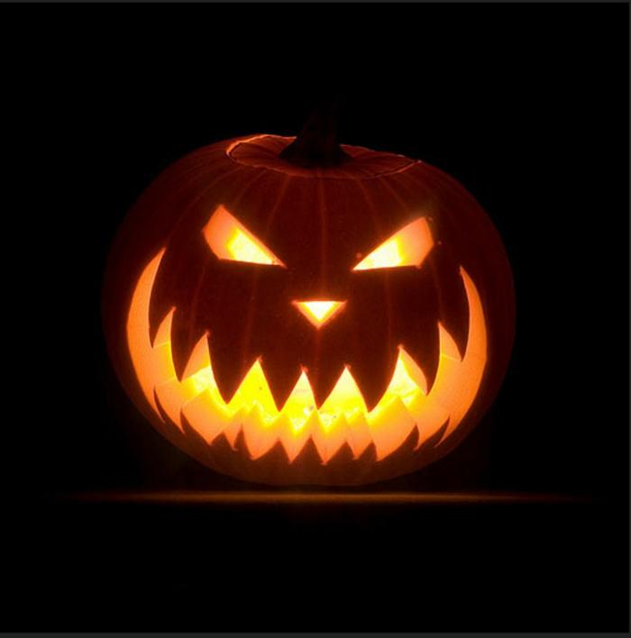 halloween-kürbisse-schwarzer-hintergrund