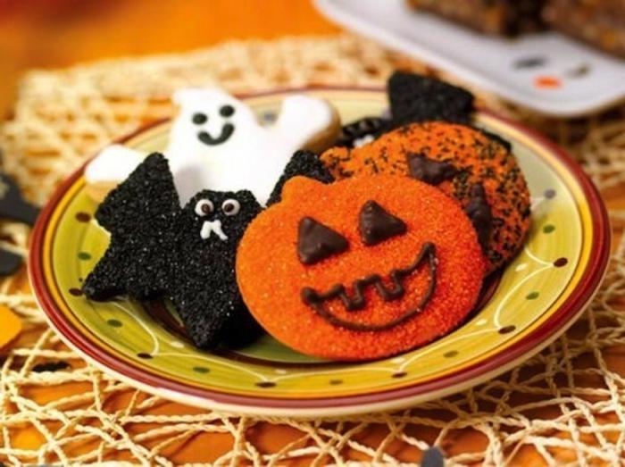 halloween-süßigkeiten-auft-teller