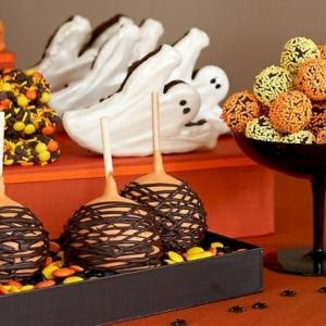 Coole Vorschläge für Halloween Süßigkeiten und Mini-Kuchen