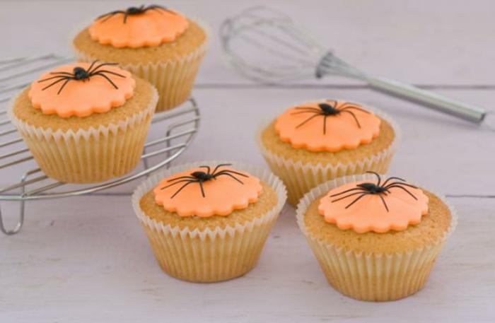 halloween-süßigkeiten-kleine-spinne