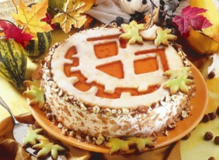 halloween-süßigkeiten-torte-kürbis-form