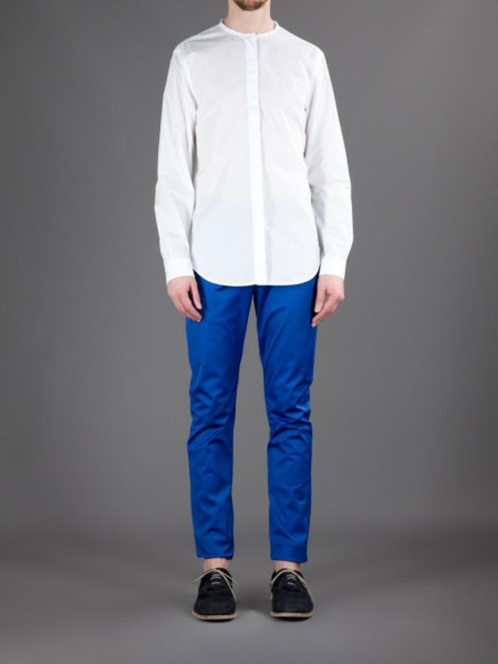 hemd-ohne-kragen-weiße-gestaltung-blaue-hosen