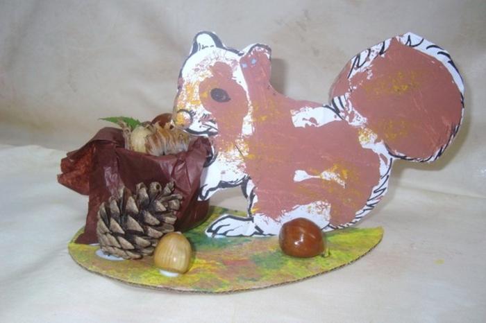 herbstbasteln-mit-kindern-eichel-eichhörchen