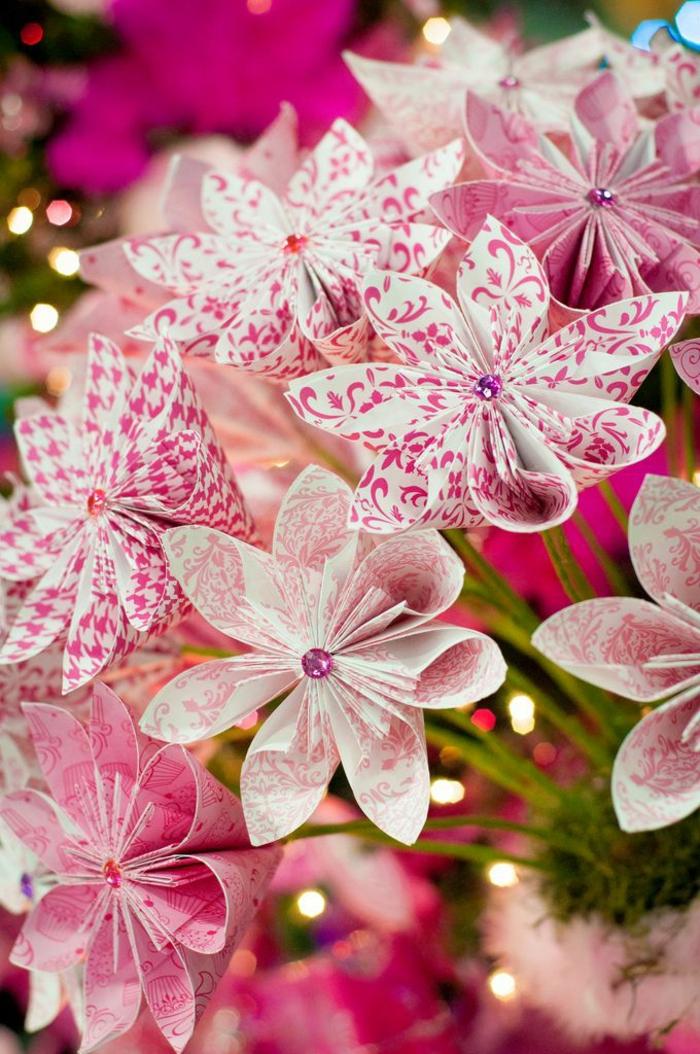 herrliche-rosa-origami-Blume-romantisch-kreativ-handgemacht