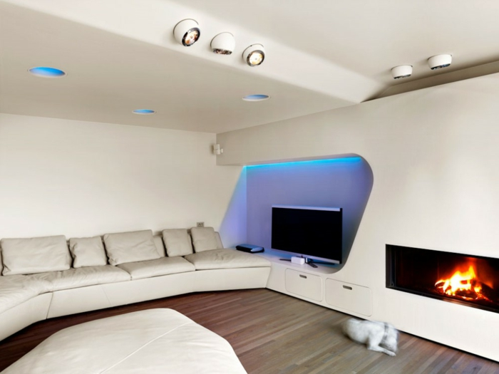 indirekte-beleuchtung-fürs-wohnzimmer-ein-kamin