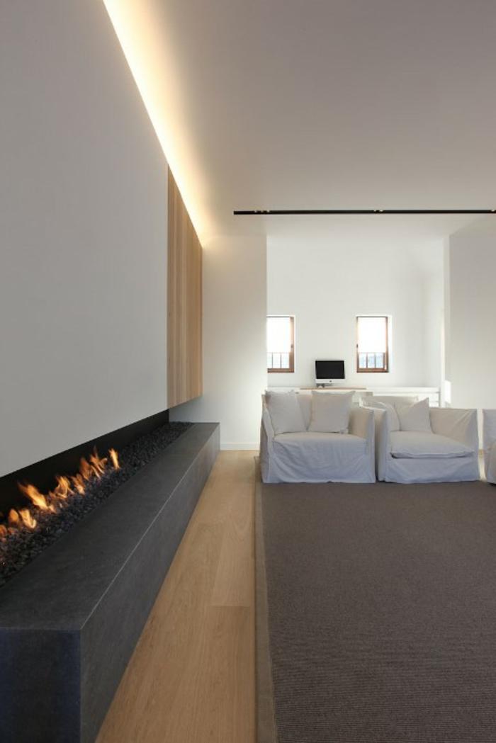 indirekte-beleuchtung-fürs-wohnzimmer-großer-eleganter-kamin