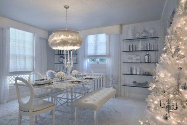 künstlicher-tannenbaum-weiß-Leuchten-extarvagante-Esszimmer-Gestaltung