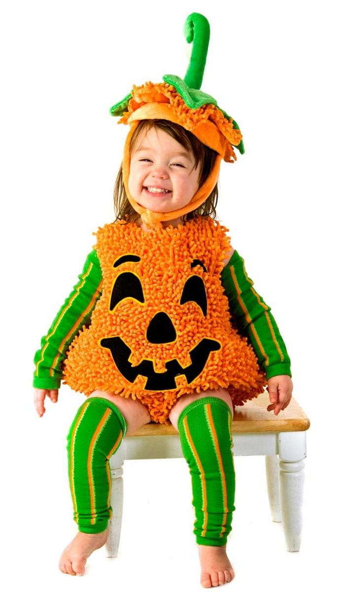 kürbis-kostüm-tolles-kleines-kind