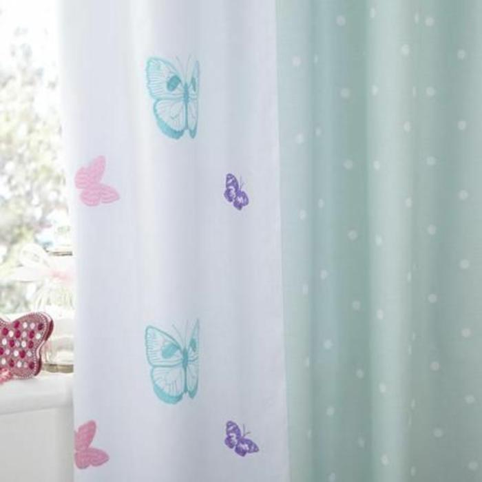 kinder gardinen-in-weiß-blau-klein-schmetterling