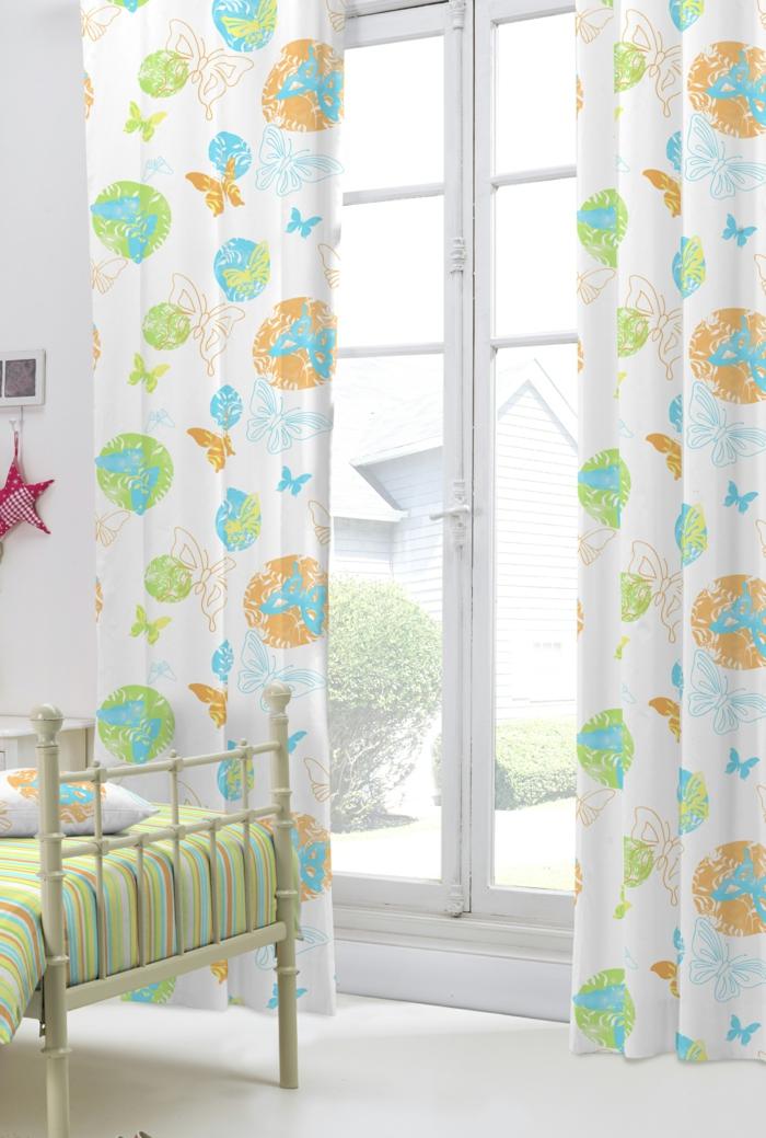 kinderzimmer ideen mit kindergardinen. Black Bedroom Furniture Sets. Home Design Ideas