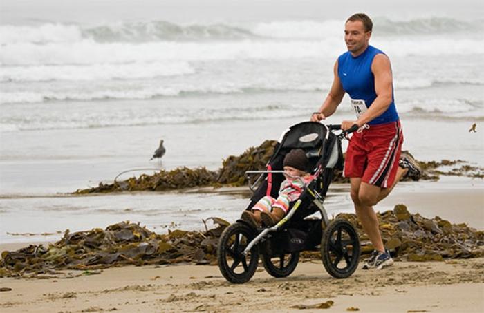 kinderwagen-zum-joggen-frische-luft-atmen