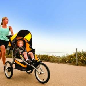 Kinderwagen zum Joggen: Spaß für Mutti und fürs Baby!