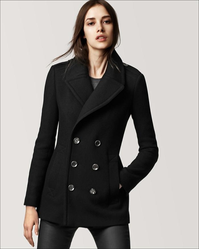 klassisches-Modell-Mantel-Damen-schwarz-große-Knöpfe