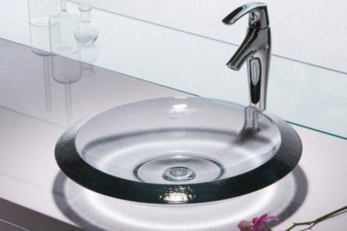 kleine-waschbecken-durchsichtiges-modell