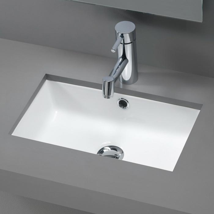 kleine-waschbecken-foto-von-oben-genommen