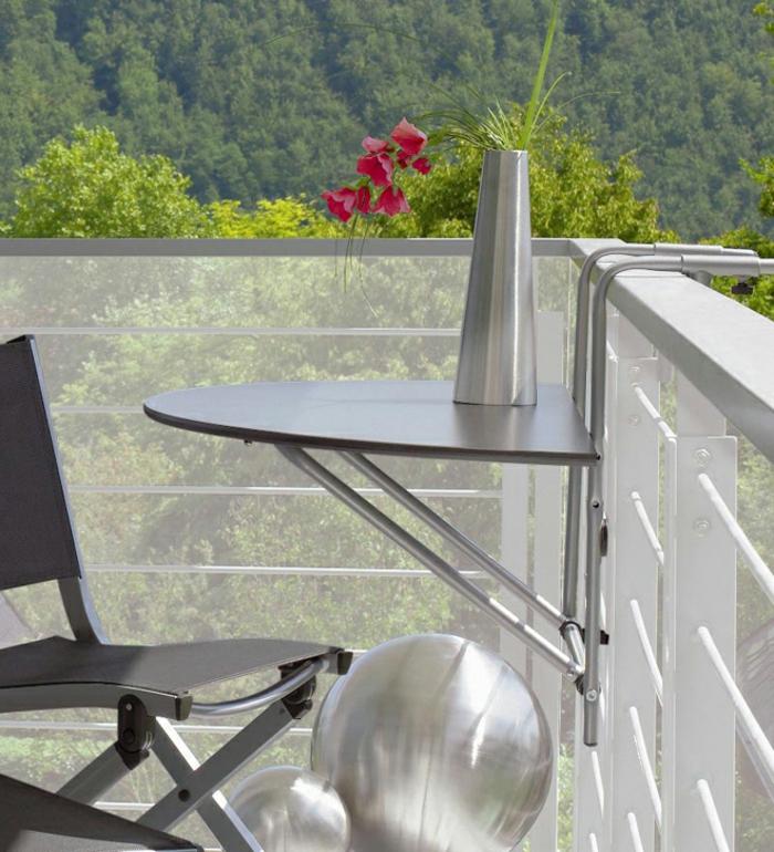 Kleiner balkontisch alu affordable tisch stahl hochglanz for Kleiner glastisch rund