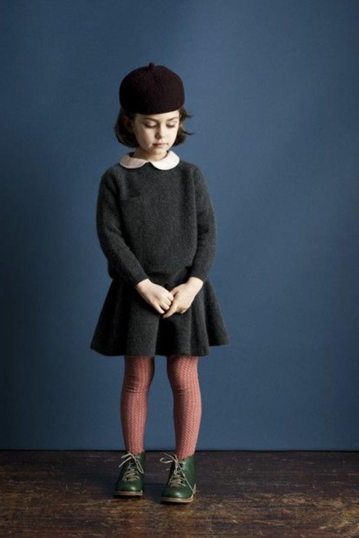 kleines-Mädchen-sympatisch-süß-Kleid-französischer-hut-Barett