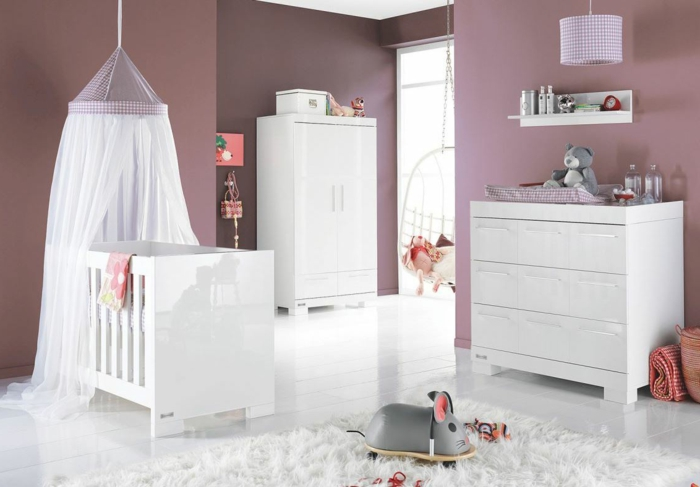 der kinderzimmer schrank unter den wichtigsten m beln im raum. Black Bedroom Furniture Sets. Home Design Ideas
