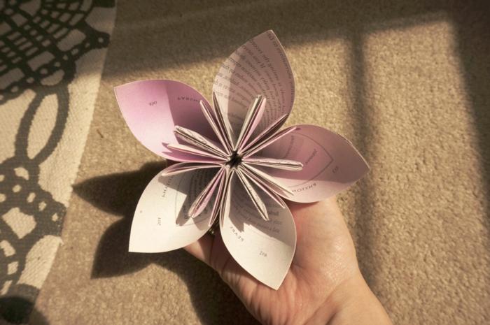 kreative-Papierblume-Origami-Kunst-handgemacht