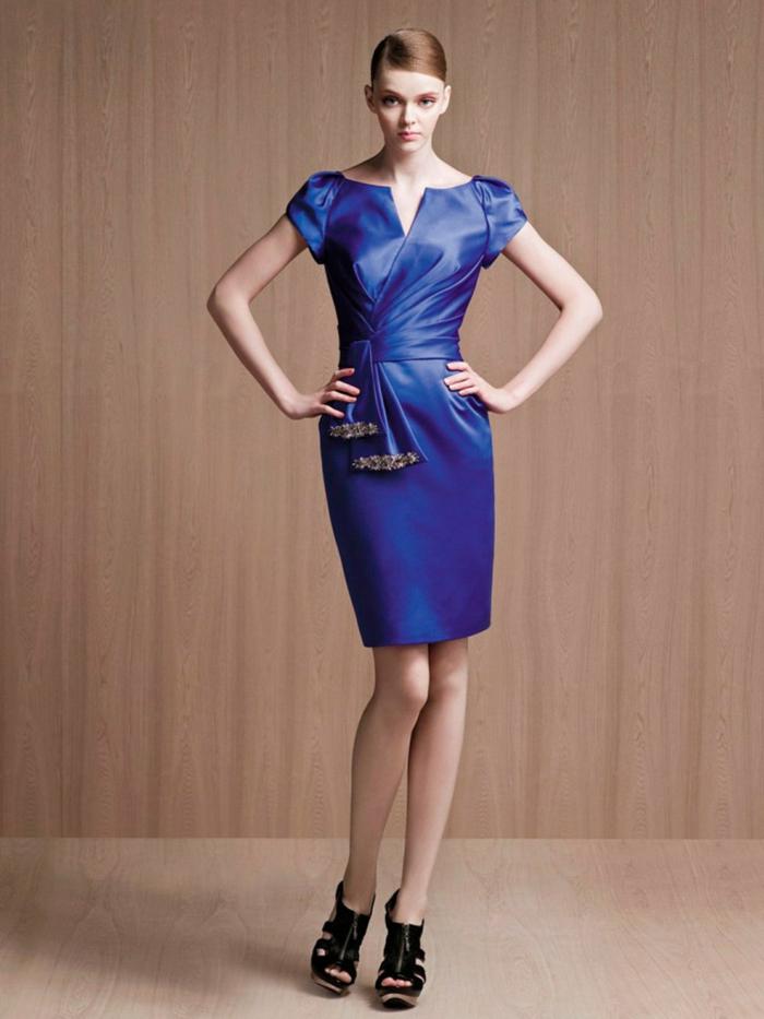 kurze-abendkleider-schönes-blau