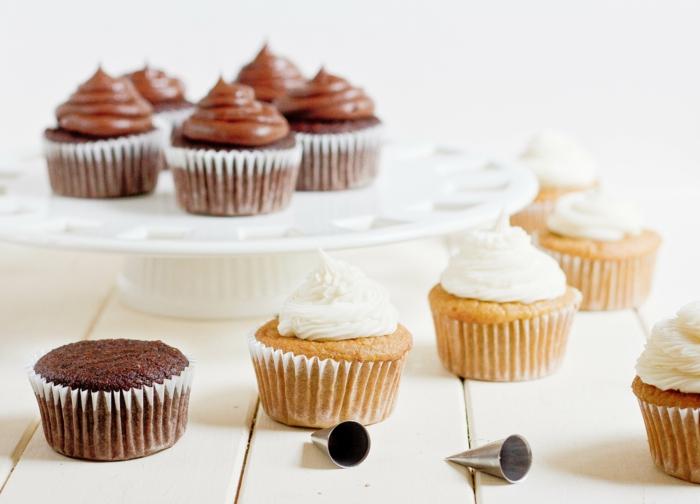 leckere-cupcakes-Vanille-Schokolade-Creme
