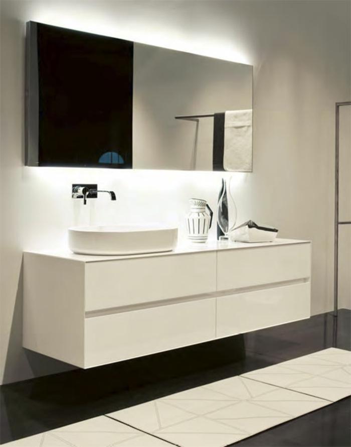 Indirekte Led Beleuchtung Badezimmer : Led indirekte Beleuchtung für Bad Hinter dem Wandspiegel