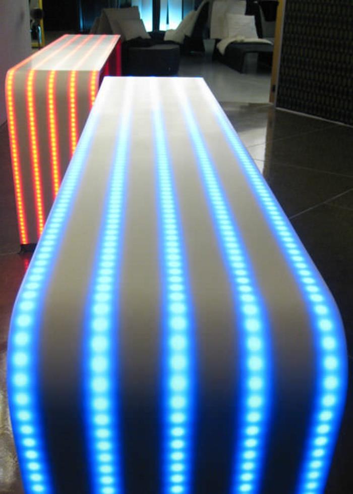 led-tisch-blaues-licht
