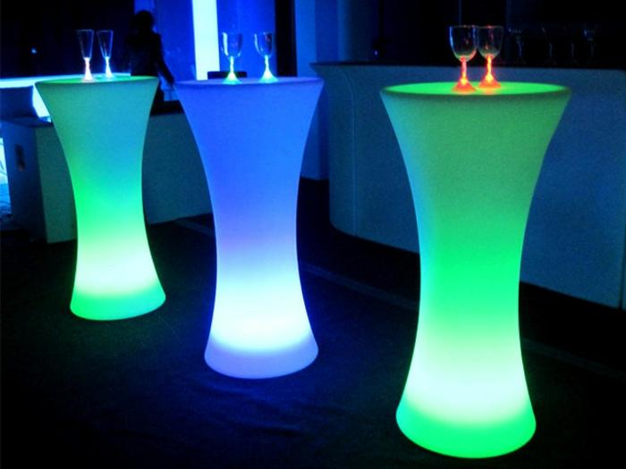 led-tisch-grüne-und-blau
