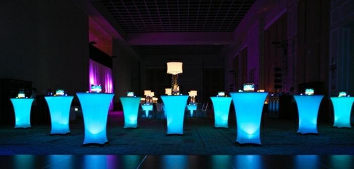 led-tisch-super-coole-modelle-in-blau