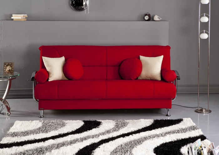 moderne-teppiche-rote-couch